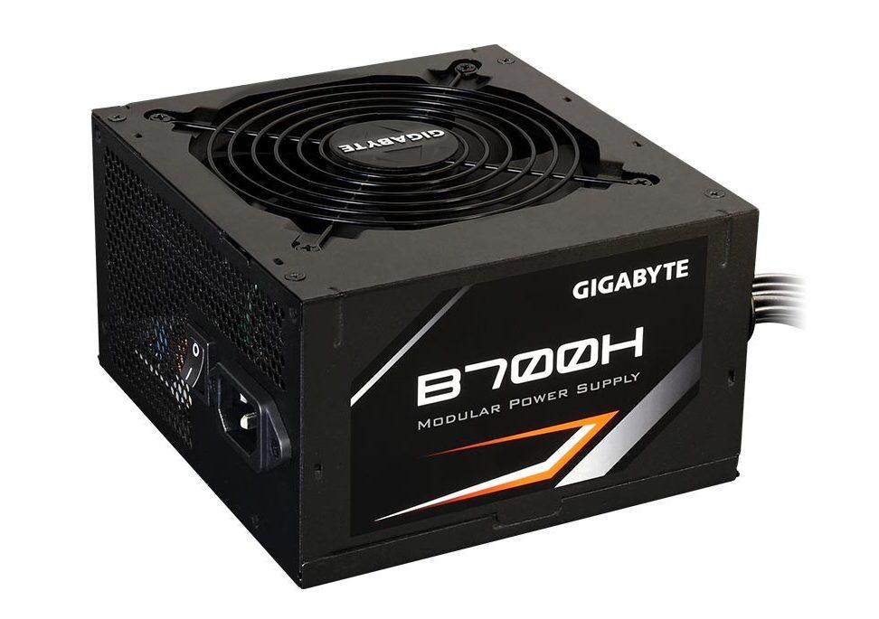 GIGABYTE B700H - 700W - 80 Plus Bronze - Semi Modular